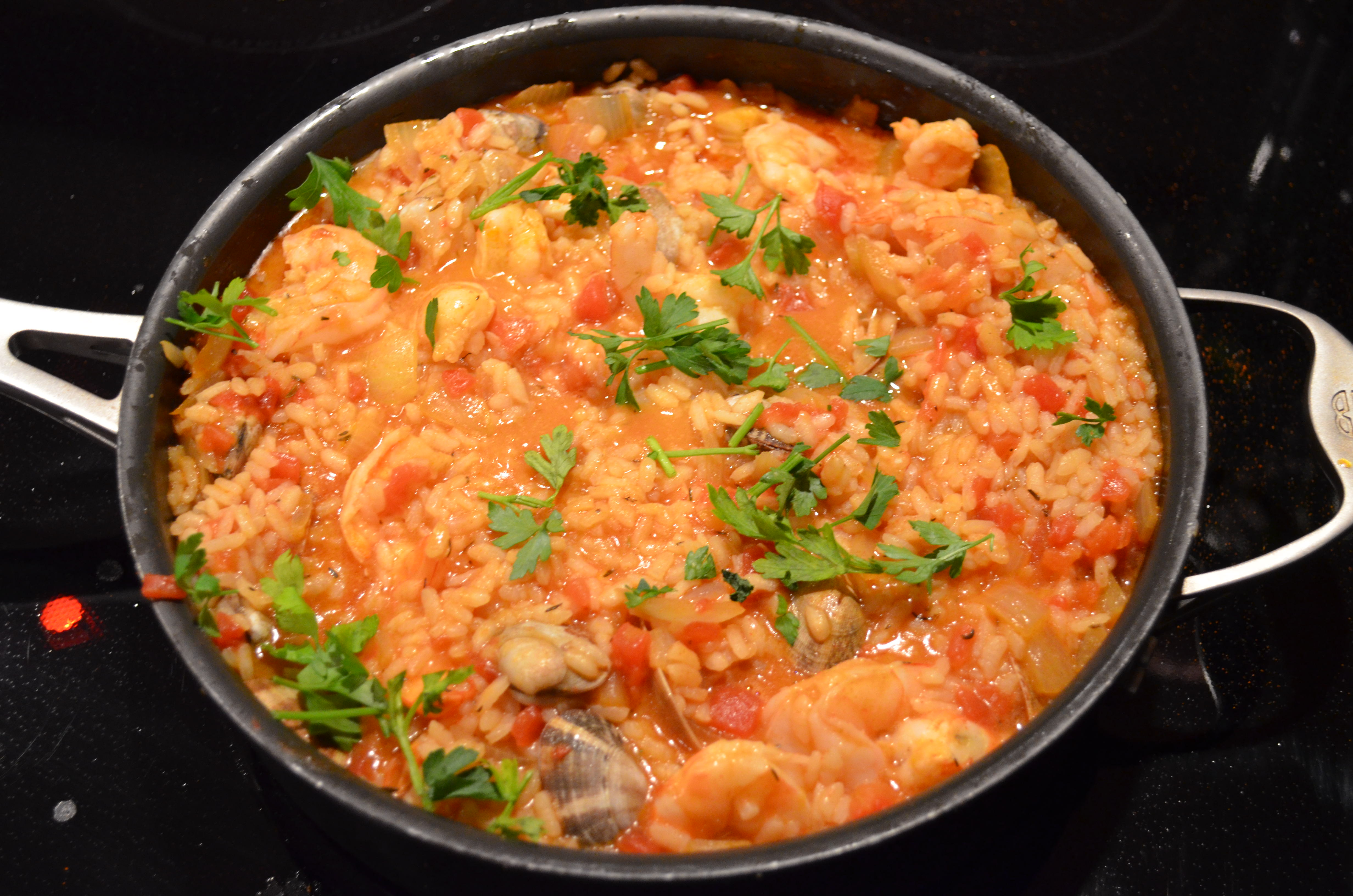 Easy paella i sing in the kitchen recipe from bbc good food magazine forumfinder Choice Image