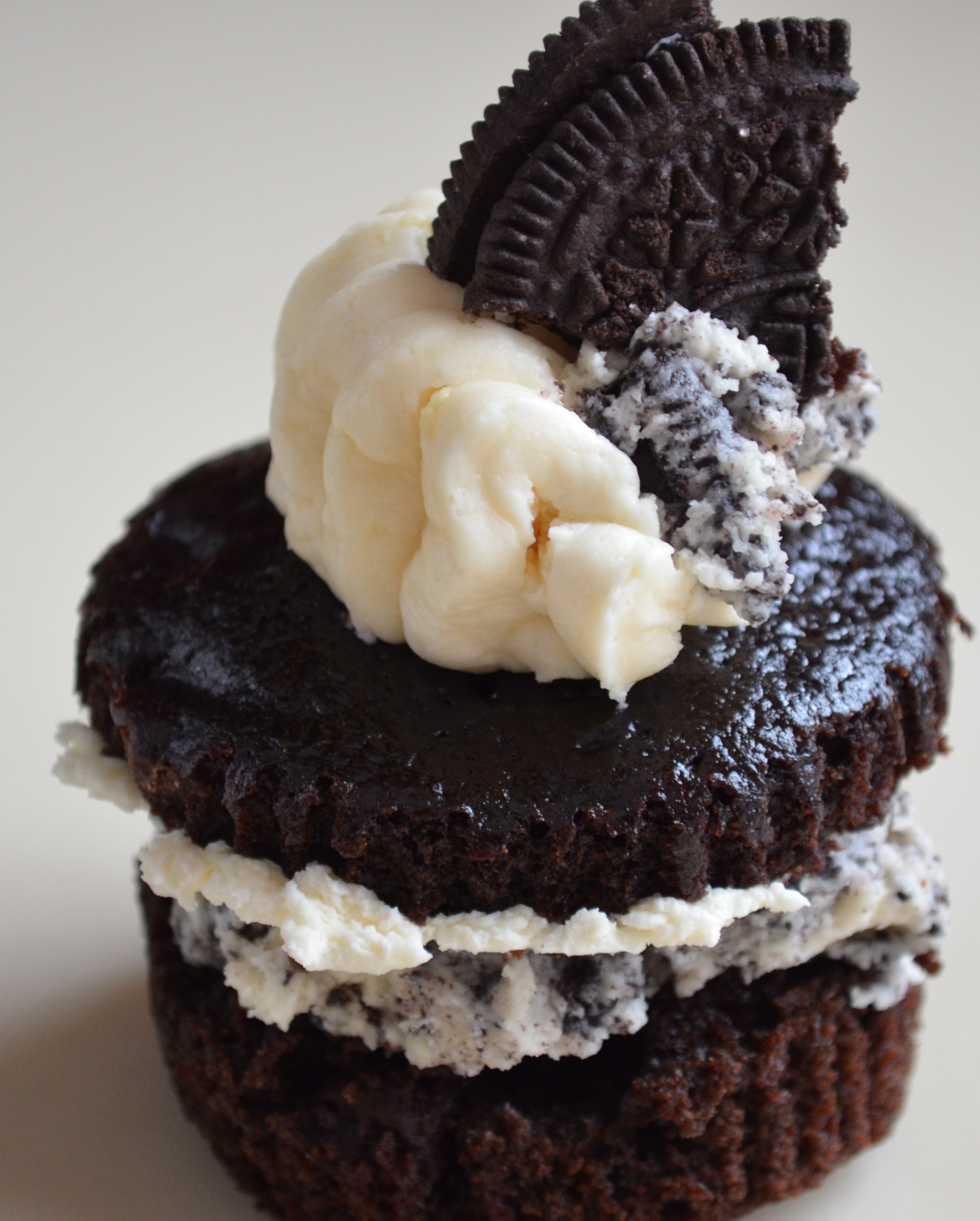 Chocolate Oreo Cupcakes Layered With Oreo Swiss Buttercream. Some Rant ...