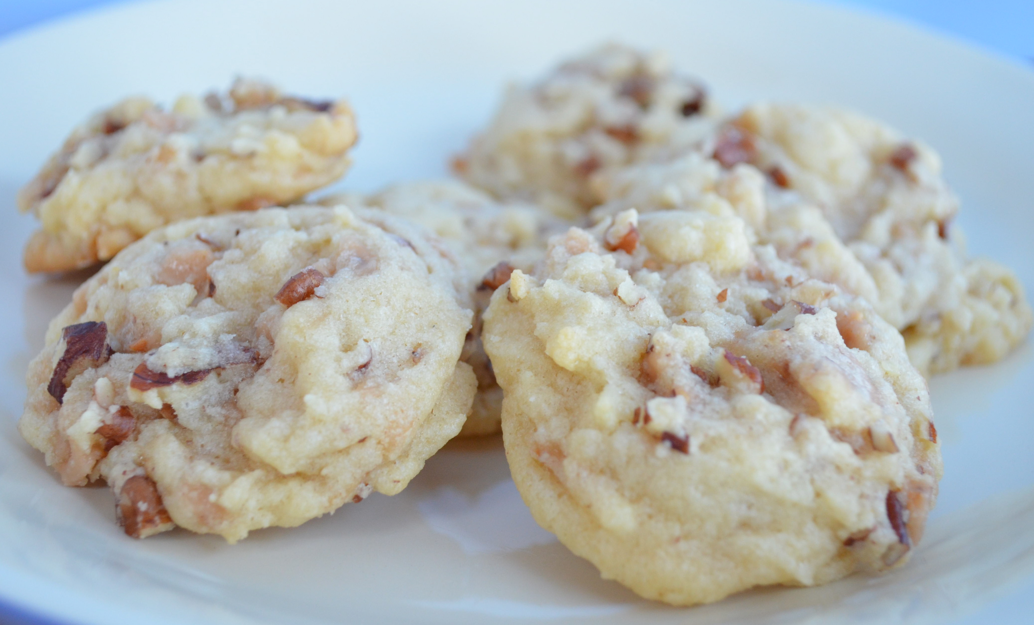 Butter Pecan Toffee Sugar Cookies | I Sing In The Kitchen