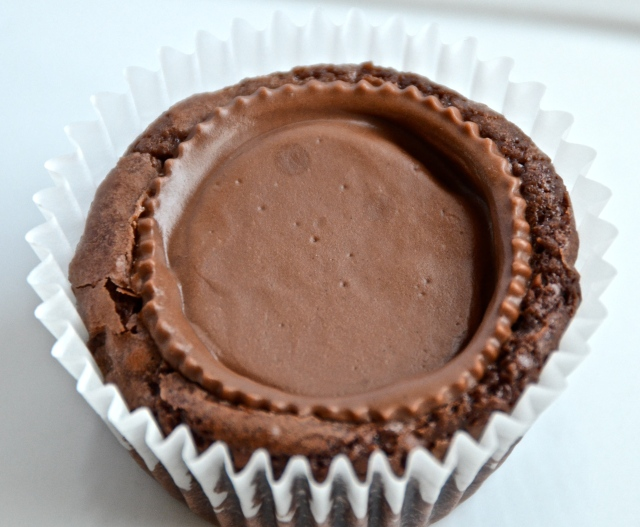 Peanut Butter Cup Brownie Cupcake