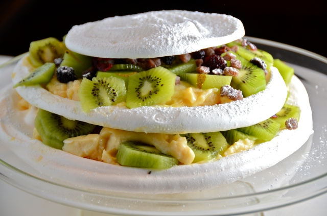 Kiwi-Pomegranate Pavlova Cake