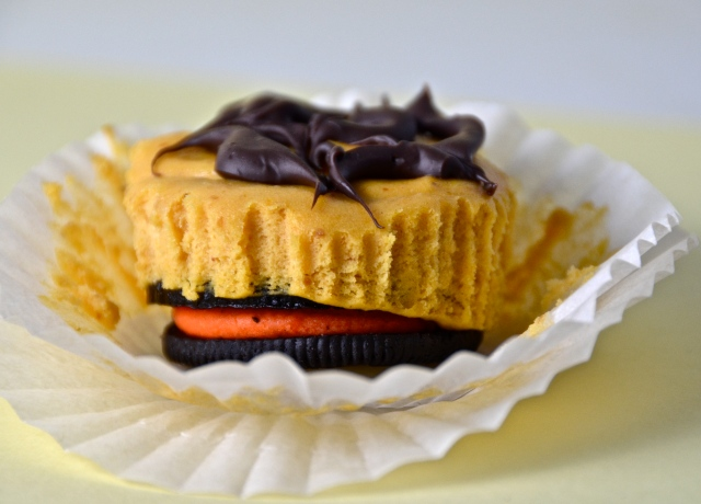 Halloween Oreo Pumpkin Cheesecake