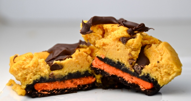 Halloween Oreo Pumpkin Cheesecakes
