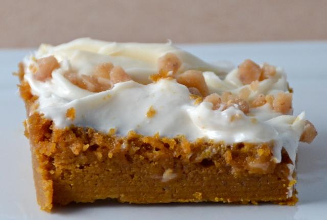 Pumpkin Spice Crunch Cake