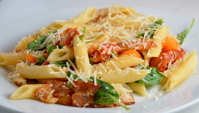 DSC_0027Penne With Grape Tomatoes, Bacon And Peas