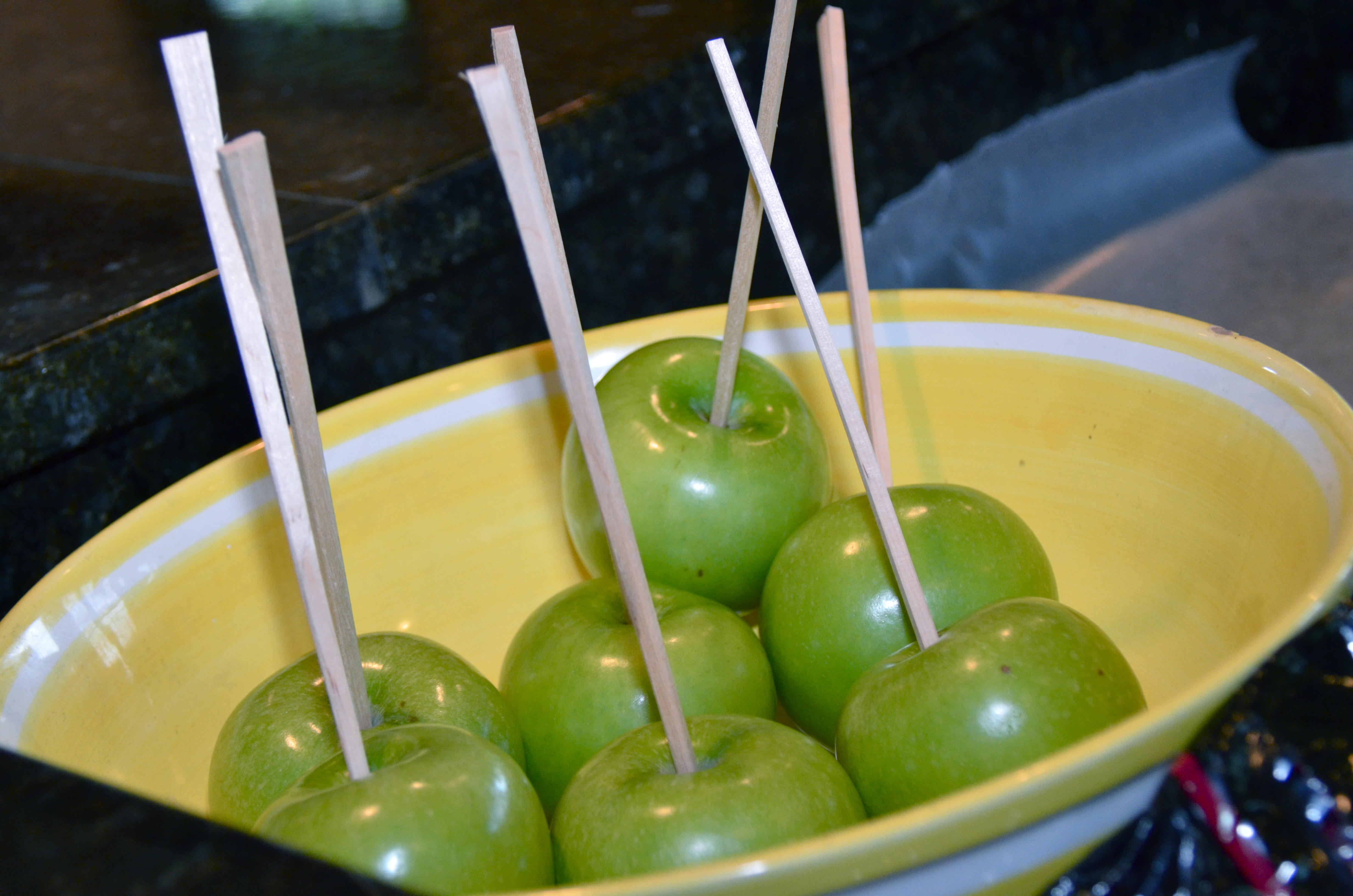 Short And Sweet. Salted (and Other) Caramel Apples. | I ...
