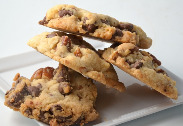 Crisp Giant Chocolate Chip Cookies