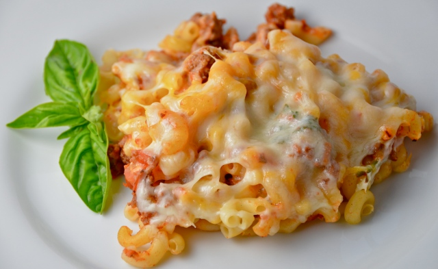 Simple Macaroni And Beef With Cheese