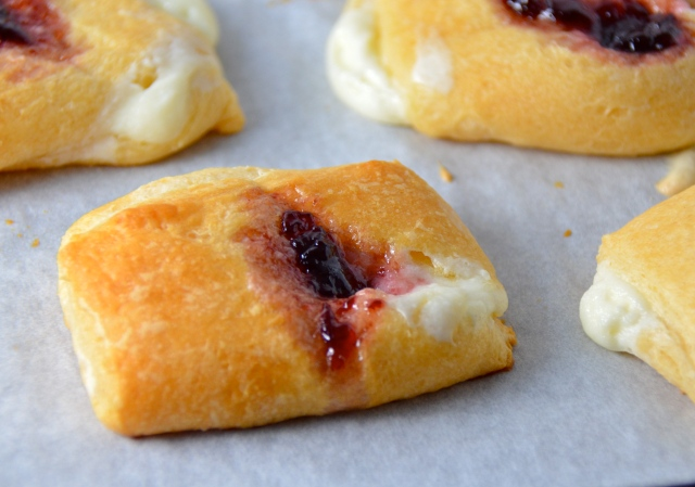Easy Cream Cheese And Fruit Danish