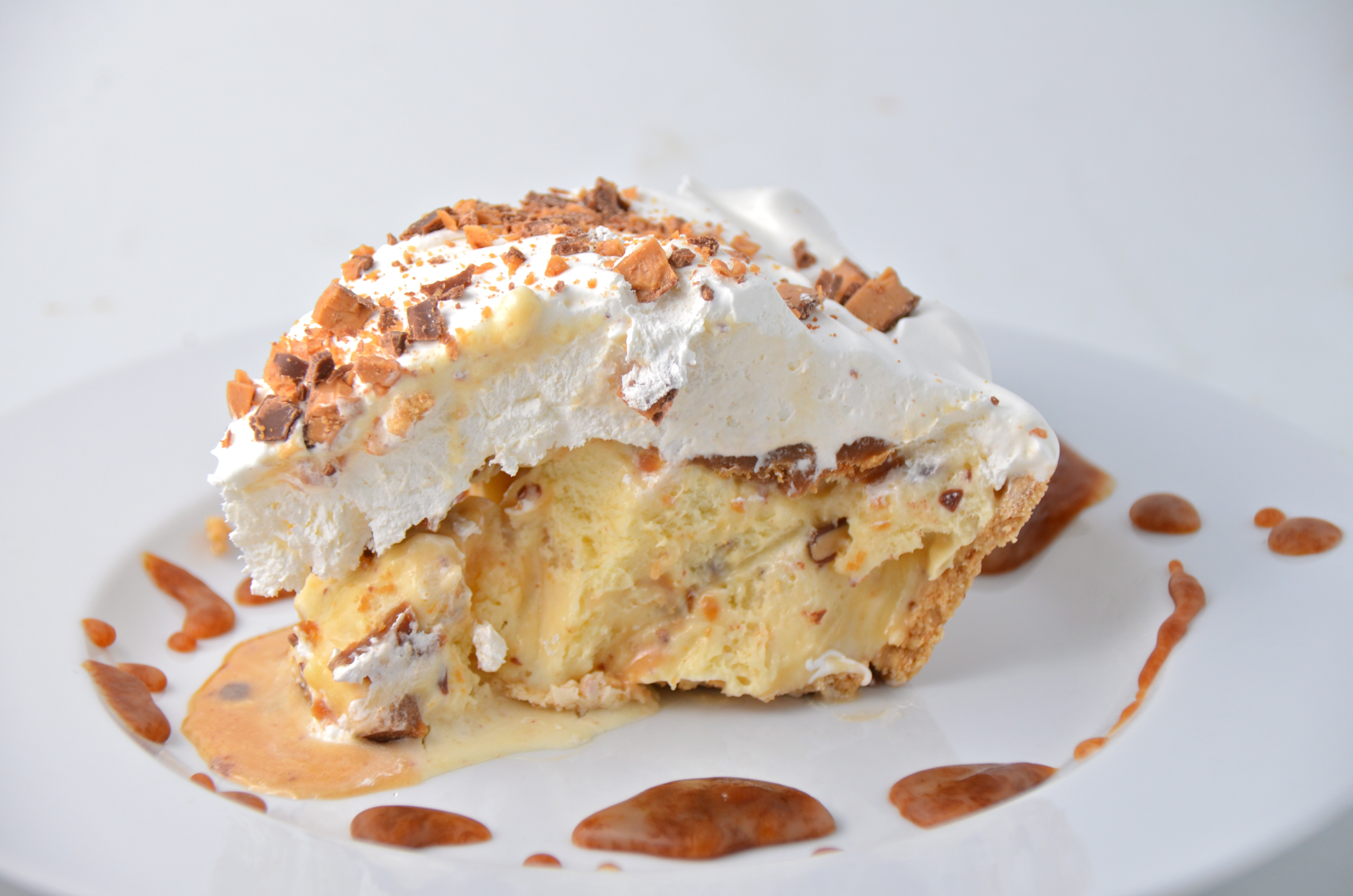 Short And Sweet. Toffee Caramel Crunch Ice Cream Pie. | I Sing In The ...