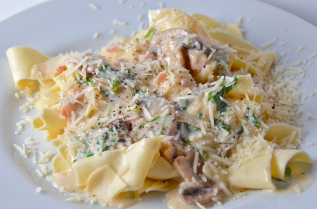 Cheesy Mushroom Pappardelle