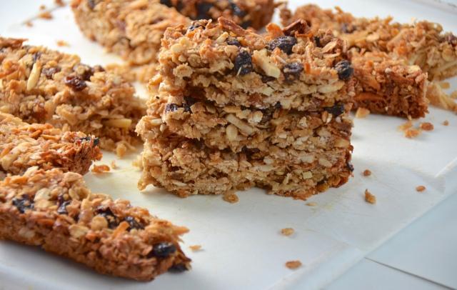 Chewy Coconut Almond Raisin Granola Bars