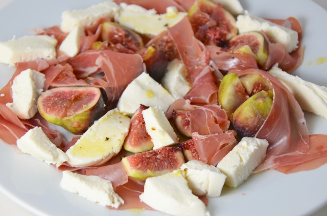 Fig, Prosciutto And Mozzarella Salad
