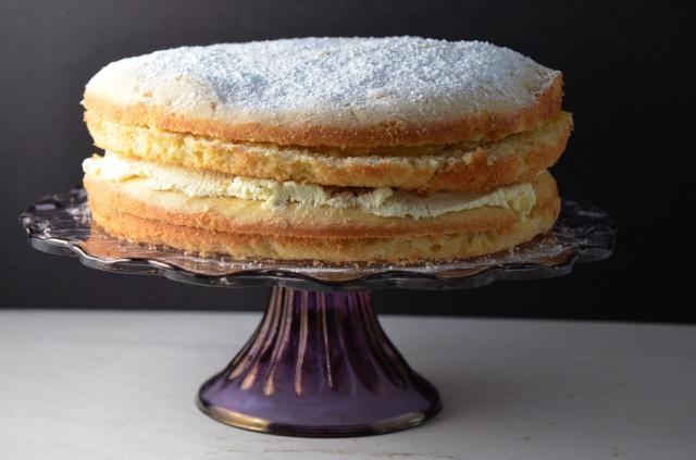 Clotted Cream Filled Lemon Cake