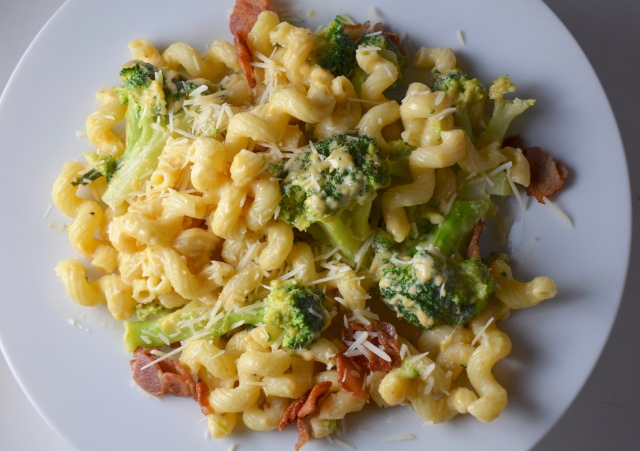 Broccoli And Bacon Mac N' Cheese
