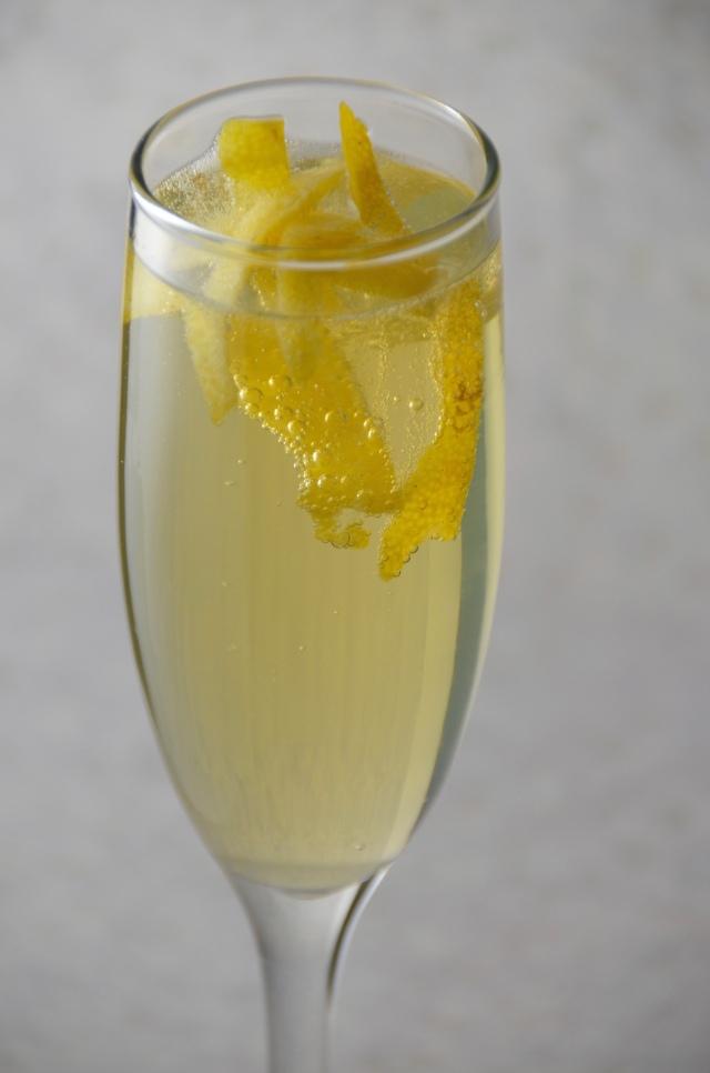Golden Ring Sparkling Limoncello Cocktail