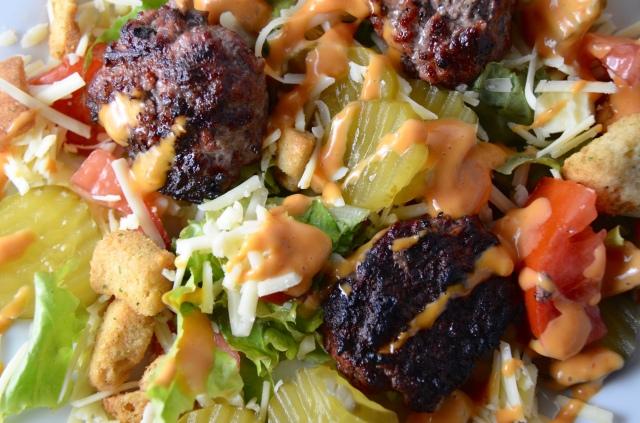 Deluxe Cheeseburger Salad