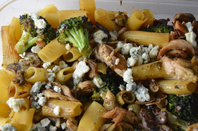 Chicken And Rigatoni With Pesto Gorgonzola